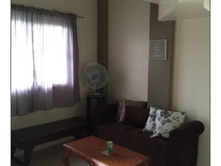 Cozy 2bedroom apartment, Laoag