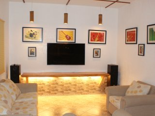 Alona Beach Luxury Apartment, Tawala