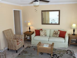 Summer Breeze Condominium 212, Miramar Beach