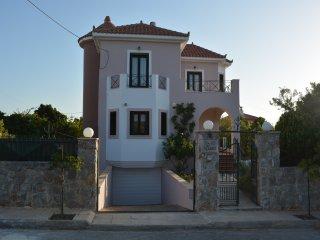 Villa Zozo einer ruhigen Wohnanlage mit atemberaubenden Sonnenuntergänge, Chorafakia