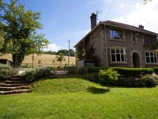 Edwardian family home in heart of Mells overlooking open fields