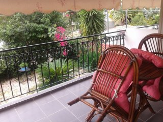 Apartm 58sqm, entresol above garden