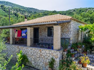 Argastares Two Bedroom Stone House 4-5 pax, Zakynthos Town