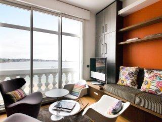 Grand studio avec vue exceptionnelle sur la baie