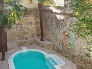 Spacious house with a swimming pool, Ceret