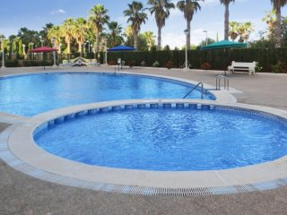 Comfortable apartment with a pool, Oropesa