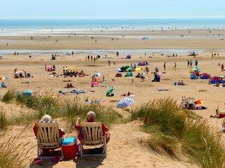 Beach Retreat - Abi Beverley - SP21, Camber