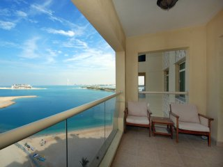 Palm Jumeirah apartment right on the beach