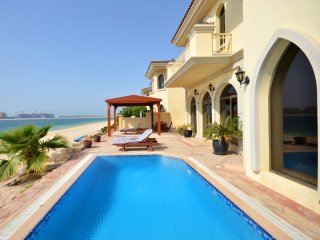 Luxurious Palm Island Villa w/ Private Pool and Beach