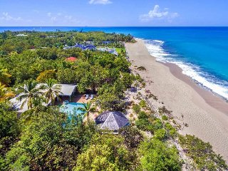SOLEIL COUCHANT...Delightful beachfront villa on Plum Bay perfect for 2 couples