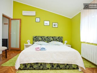 grassGREENroom with pool for 2, Vinkuran