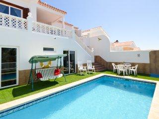 CM185786  Beautiful 3/5 Bedroom Villa. Private Heated Pool. Callao Salvaje.