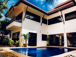 3bdr villa with private pool, Pattaya