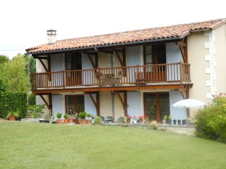 Le Nid -  two bedrooms, minimum stay 3 nights, Montboyer