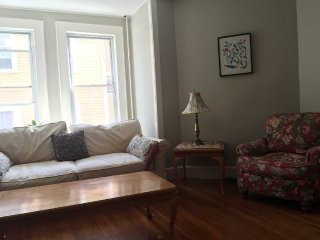 Family Friendly 2 Bedroom Apartment in Boston
