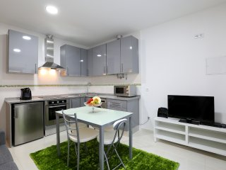 New one bedroom apartament close to the beach