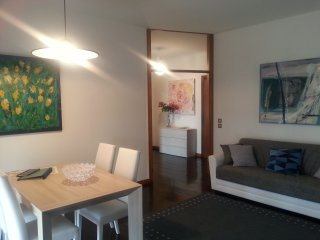 Lovely apt AL CORSO with free & private Garage in the centre of Padova, Padua