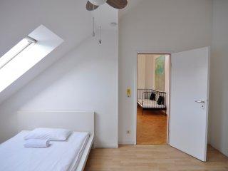 Artist Penthouse Flat Bergmannkiez, Berlin