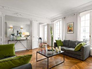 Concorde Chic Three Bedroom, París
