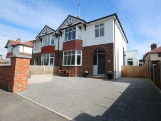 Exceptional 3 bed house in Hoole, Chester