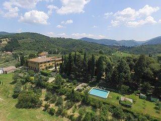 EXCLUSIVE VILLA WITH  INFINITY POOL IN CHIANTI , TUSCANY. CASTELLO PANDOLFINI