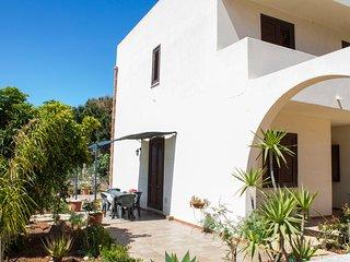 casa climatizzata con giardino e parcheggio pvt, San Vito lo Capo