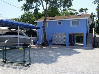 Very Nice 3 Bedroom Home With Large Lot!, Tavernier