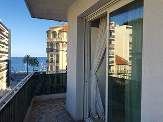 3 pièces 50m de la Promenade des Anglais vue mer, Nice