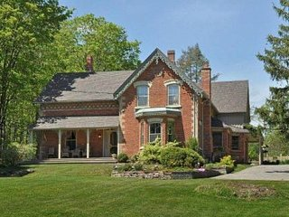 Caledon Country Estate with Pool, Toronto