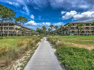 Seaside Villa 113 - 1 Bedroom 1 Bathroom Oceanside Flat Hilton Head, SC