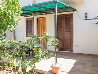 trivani con spazi esterni e parcheggio privato, San Vito Lo Capo
