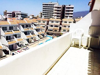 #PENTHOUSE 10 FLORITAS, SEE AND SWIMMING POOL VIEW, Playa de las Américas