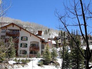 Solitude Resort Ski-in/Ski-Out Condo at Powderhorn Lodge