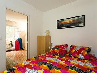 Chambre 1 avec lit en 140