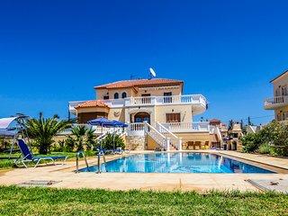 Villa CARMELINA, Akrotiri
