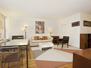 2 Bedroom Family Friendly Apartment with Crib