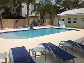 LOVE SHACK- Close to Beach - Private Pool, Santa Rosa Beach