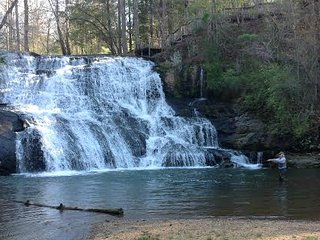 Waterfall Cottage at Cane Creek Falls, Dahlonega