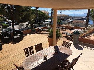 Appartement T2 avec 110m2 terrasse privât. vue mer, Hyères