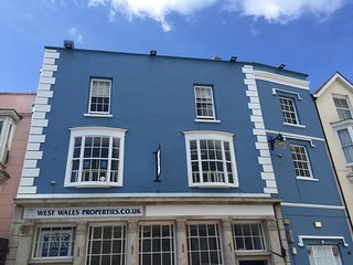 Tudor Apartment, Tenby, sleeps 5 + baby
