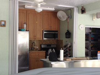 Lighthouse Paradise with 2 Full Kitchens, Key Largo