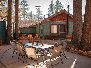 Village Vacation IN the heart of Big Bear Lake!, Big Bear Region