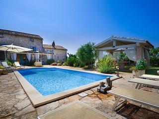 Stone Villa swimming pool surrounded by Nature Porec Paradise