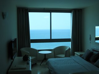 romantic seaview suite 09