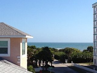 Beautiful 5 bedroom Beach House with Ocean View Terrace
