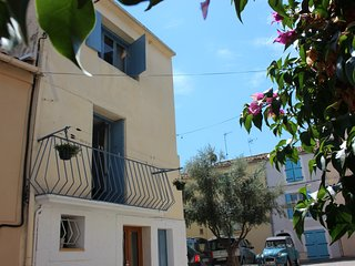 Maison de Thau, Holiday Home Rental, Meze