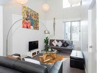 Auckland City Centre Stylish 2 Bed Apartment
