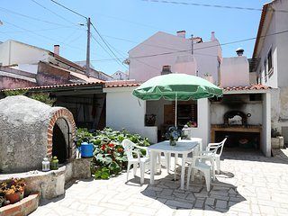 Three-bedroom apartment with BBQ, Nazare