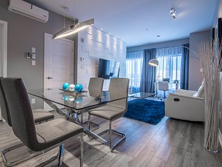 Modern condo Dix30 Brossard - 15 min from Montreal