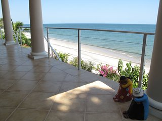 Secluded Beachfront Luxury - Casa Caracol, Playa Coronado